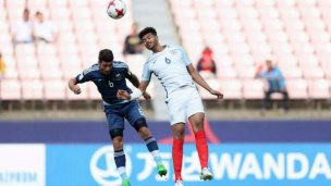 Dura derrota en el Mundial, con Senesi en cancha