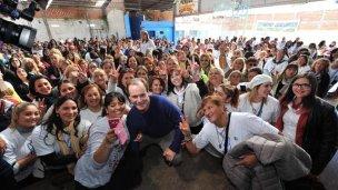 Selfie de campaña: Bordet le habló a las mujeres en Feliciano