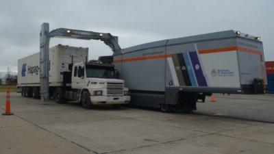 Puerto: Escanearon la carga que partirá a Uruguay