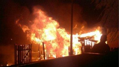 Una vecina rescató al bebé cuando la casa se incendió