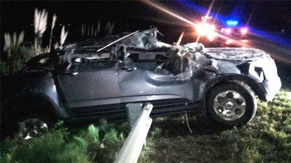 Así quedó un auto tras un grave vuelco en Ruta Nacional 136