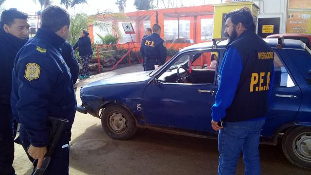 Violento asalto en estación de servicio: Ex policía recibe tres balazos