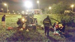 Un hombre con heridas leves tras volcar en la autovía