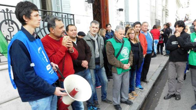 Gremios quilmeños se movilizan al Congreso — Día de paros