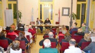 En la tierra de los candidatos, presentó el libro de Urribarri