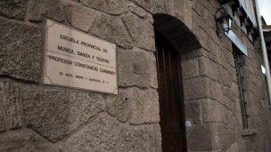 Alerta en escuela: Dos alumnos purgan condena por delitos sexuales