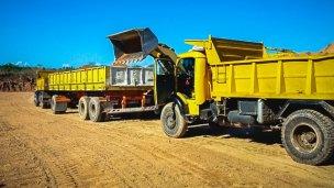 Repararán los caminos del departamento Uruguay