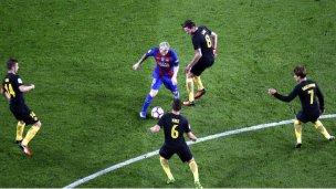 El argentino por el que se enfrentan Barça y Atlético