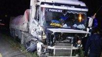 Violento choque sufrió un camionero entrerriano en RN 14