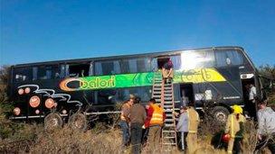 Micro con jubilados entrerrianos, accidentado en una ruta de San Luis