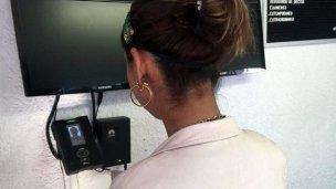 El CGE lanzó oficialmente el sistema de control facial y dactilar de los docentes