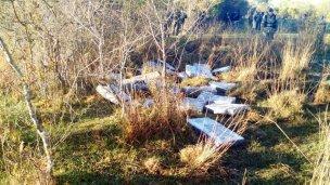 Hallan mil kilos de droga esparcida en un campo