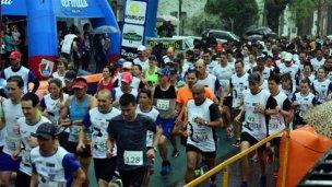 La lluvia no frenó la maratón de Don Bosco