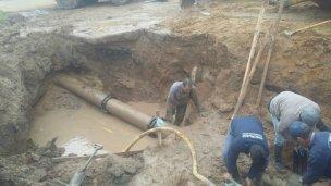 Repararon el caño de agua