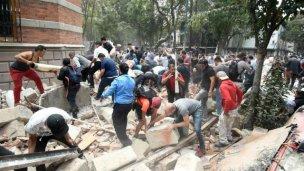 Sigue elevándose el número de muertos tras sismo en México