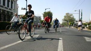 Premiarán a empleados municipales que vayan a trabajar en bicicleta