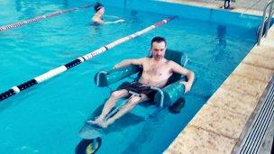 La Uader desarrolla una nueva silla de ruedas anfibias