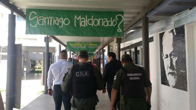 Otra vez gendarmes en un acto por Santiago Maldonado en Rosario