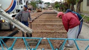 Los trabajos de pavimentación continúan por calle Lavalle