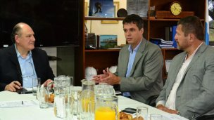 Enrique Cresto vuelve elegir a Niez como blanco de sus críticas