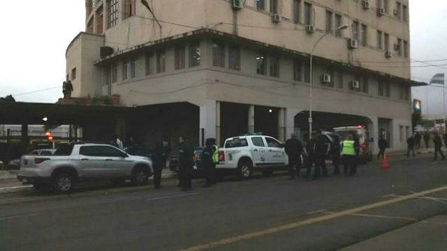 Ex funcionario se arrojó al vacío desde el edificio municipal de Paraná