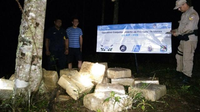 Resultado de imagen para Embarcaciones de la Prefectura decomisaron 1600 kilos de marihuana