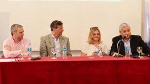Bahl llegó para inaugurar una charla sobre Gobernabilidad y Planificación