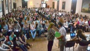 Casi 500 docentes se capacitan para ser secretarios de escuela