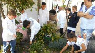 Las escuelas preparan sus jardines para concursar