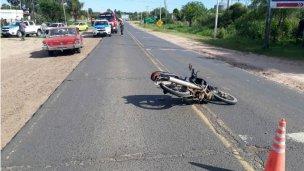 Una mujer con fractura intercostal y dos vehículos retenidos