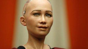 Año 2017, primer robot en obtener una ciudadanía
