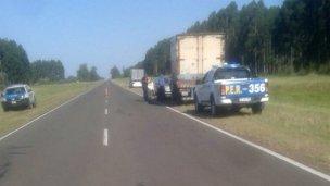 Armados, asaltaron a un camión en Ruta 015