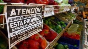 Ciudad entrerriana prohibió el autoservicio de frutas y verduras