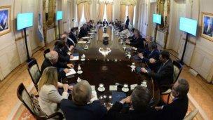 Macri logró el acuerdo de pacto fiscal con los gobernadores