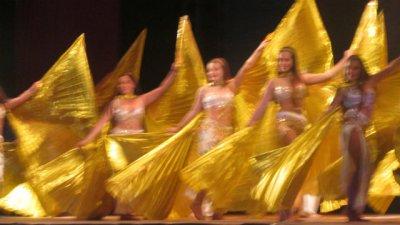 Velada a puro baile y canto, para celebrar el folclore