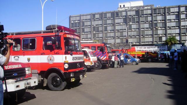 Bordet y los bomberos voluntarios, el cortocircuito menos pensado