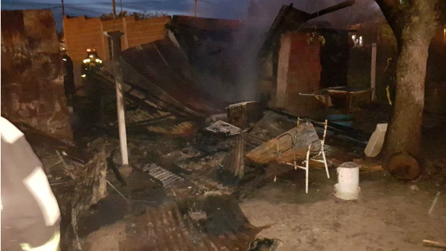 Una mujer falleció al incendiarse su casa en San José