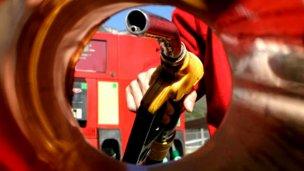 El litro de nafta superó la barrera de los $30