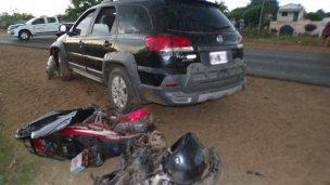 Internaron a tres personas con graves heridas tras un choque