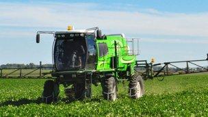 Media sanción a la regulación de fitosanitarios