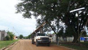 Tras la denuncia en la justicia, Telecom repara los postes