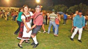 Crespenses celebran la 46º edición de la Fiesta Provincial de la Cerveza