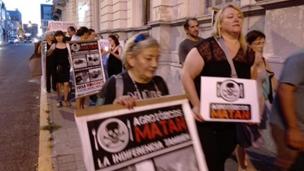 """""""Ronda de los martes"""" contra la ley de agrotóxicos"""