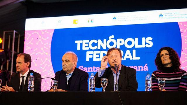 Bordet, Lombardi y Varisco, en la presentación.