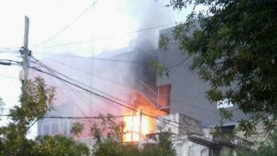 Fuego y evacuación en el shopping