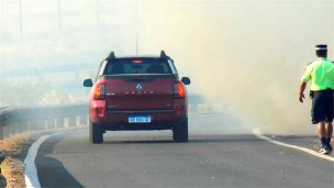 Incendio obligó a cortar el tránsito por la Autovía 14