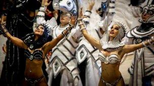 Dos reinas del Carnaval del País cumplirán sus sueños en Río