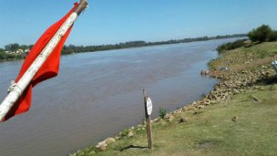 Salto se queda sin playas por la crecida del río
