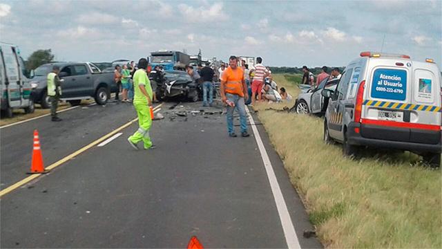 Ruta 174: cuatro muertos y varios heridos graves tras un choque frontal