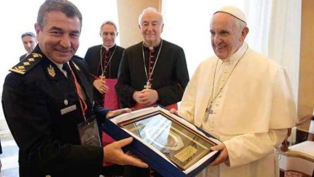 Roncaglia, recibido por Francisco en Roma.